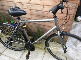 """Trek 7.0fx hybrid bike. Just over 1 year old, full Halfords service end of summer 2016. 22.5"""" frame"""