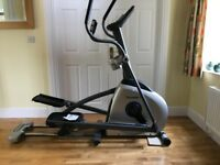 Horizon Traverse 5 Cross Trainer