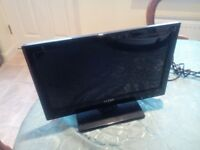 Luxor 15 inch Portable TV with inbuilt Freeview. Manual and Remote.,