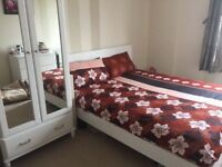 Double Bed to Let in 2 Bedroom Flat