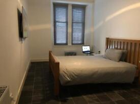 1 bed Partick for 2 bed