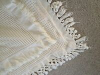 6 lovely cream Cushion covers, V nice condition. For home or Caravan perhaps