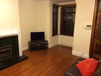 Recently decorated, spacious 3 bedroom house close to Leeds city centre