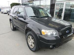 2005 Ford Escape LIMITED AWD WITH LEATHER