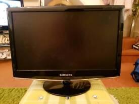 SAMSUNG 933HD BLACK PORTABLE DIGITAL TELEVISION 18.5 INCH