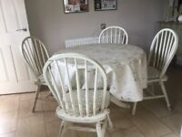 Shabby chic extendable table with four chairs and pads