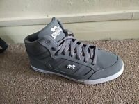 Lonsdale Canons Mens Trainers - Size 9 - NEW