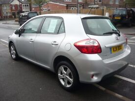 TOYOTA AURIS. 1.6 TR. 1 PREVIOUS KEEPER,34000 MILE, S/HISTORY. 5 DOOR. SILVER.