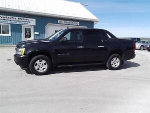 2010 Chevrolet Avalanche 1500 LT,5.3L,4X4,POWER PEDALS,6 PASSENG
