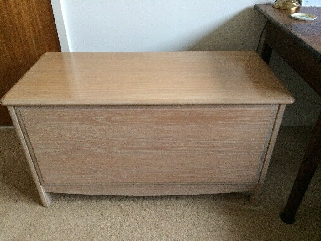 Stag solid oak trunk / blanket, toy or bedding chest with fitted cushion