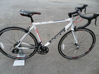 Avenir Perform Road Racing Bike Brand New Ex Display Sti Gearing Fully Set Up