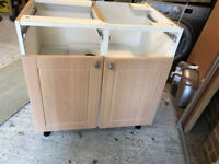 Kitchen units (with worktop, sink and hob)