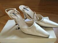Bridal shoes gloves wedding prom woman