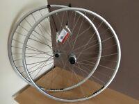 700c road/race, shimano/mavic wheel set