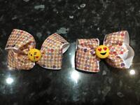 "4"" bow clips. Emoji style."