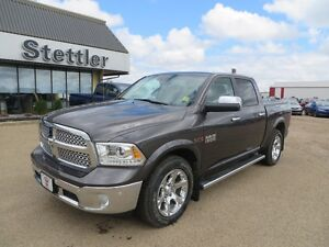 2015 RAM 1500 Laramie 4x4 ECODIESEL! VENTED LEATHER SEATS!