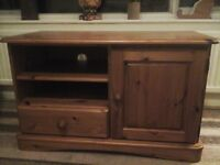 Chunky pine tv stand/cabinet lovely condition