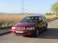 2000 Volvo V40 2.0 S / PETROL / Automatic / ESTATE / in red