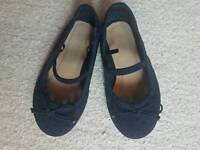 Size 6 younger girls navy dolly shoes