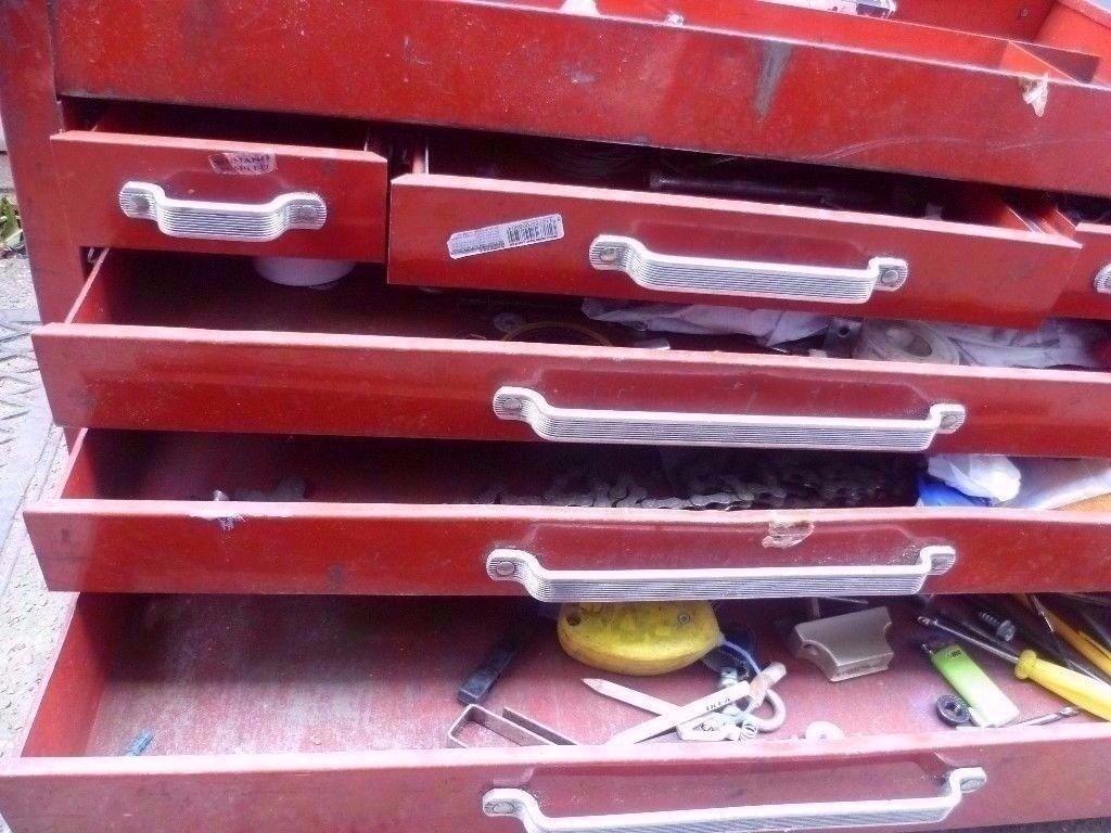 beach old metal toolbox