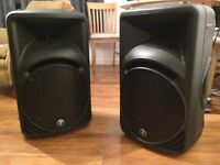 2x Mackie SRM450 V2 PA Speakers w/ tripod stands, bag and xlr cables
