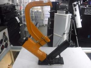 Bostitch MIIIFS 15.5 gauge Flooring Stapler. We Buy and Sell Used Tools. 111664