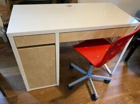 Childs desk and chair - Ikea