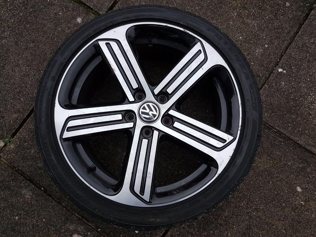 Selling 2 Genuine Vw Golf R 18 Inch Cadiz Alloy Wheels With Tyres In High Wycombe