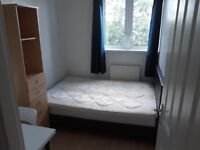 **ROOM WITH DOUBLE BED IN WEST KENSINGTON**