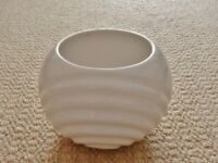 White Ceramic Round / Circular Pottery Indoor Plant Flower Pot Planter with Ribbed Front