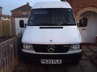 Mercedes 412 D Camper Van