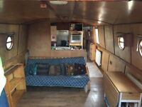 Spacious Wide Beam House Boat