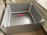 Whelping box (Not used, bought two only needed 1)