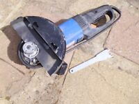 9 inch Angle grinder. Used. with spanner.