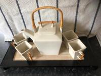 Parlane teapot and 4 cups