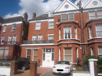 LOVELY BRIGHT 2 BEDROOM 2ND FLOOR FLAT IN PERIOD CONVERSION, IN GREAT LOCATION IN SOUTH HAMPSTEAD