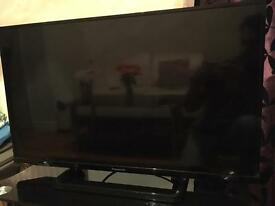 "Panasonic 32"" smart tv"