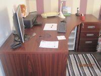 office desk =3 lockable drawers