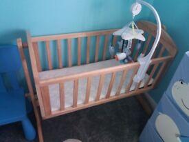 Mamas and papas baby crib