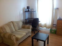 LARGE ENSUITE ROOM WITH DOUBLE BED,SOFA,VIRGIN TIVO & WIFI.ALL BILLS INC.NO HIDDEN EXTRAS