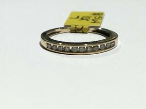 #1564 10K YELLOW GOLD DIAMOND WEDDING BAND *SIZE 7* APPRAISED AT $1150.00 SELLING FOR $395.00