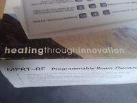 PROGRAMMABLE ROOM THERMOSTAT 2 IN 1PROGMMABLE