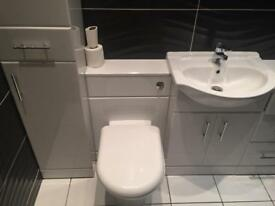 Small Bathroom/Shower room