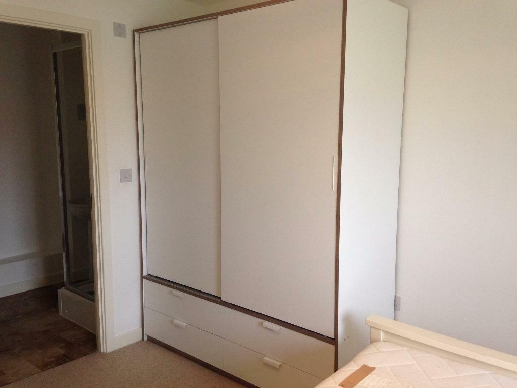 Ikea Schreibtisch Expedit Mit Regal ~ sliding doors 4 drawers, white, light grey RRP180 IKEA TRYSIL Wardrobe