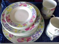 Royal Norfolk 20 pce dinner set