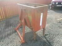 Tractor three point linkage Weight box block with a frame