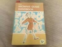Vintage Brownie guide handbook 1968