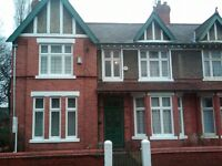 Rathmore Avenue, Mossley Hill L18 - Large double room in a period property