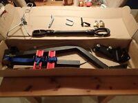 Maxxraxx 4x4 2 Bike Rack + Trailer Hanger + Crossbar Adaptor + Locks