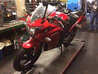 Honda CBR125R 2014 Red